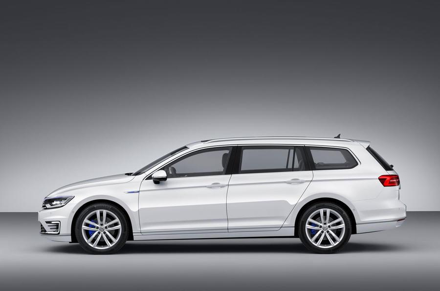 Volkswagen reveals 141mpg Passat GTE