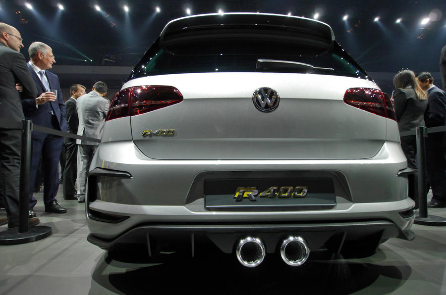 Vw Golf R400 >> Volkswagen Golf R400 mega-hatch could make production ...