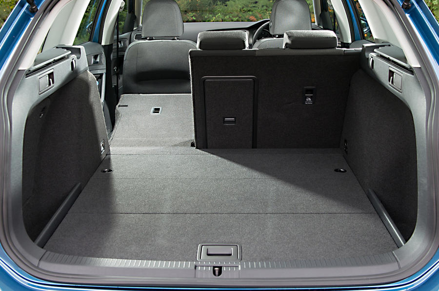 Golf Estate R Review >> Volkswagen Golf BlueMotion estate first drive
