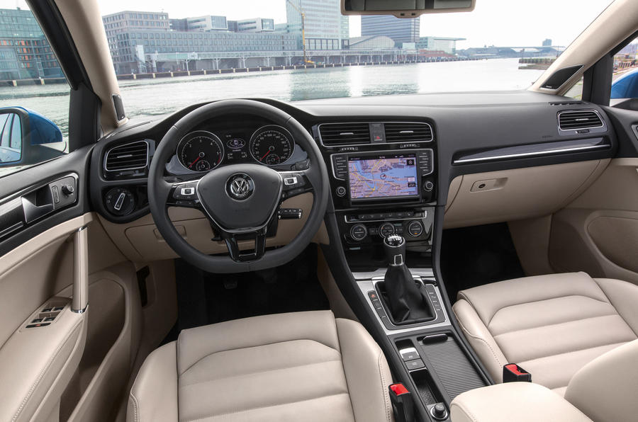 volkswagen golf estate 2 0 tdi se 150 first drive review review autocar. Black Bedroom Furniture Sets. Home Design Ideas