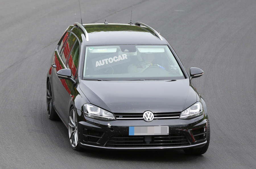 Volkswagen plans hot Golf R estate - latest pictures