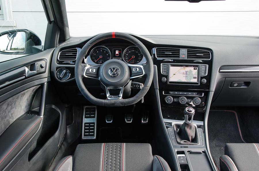 ... Interior; Volkswagen Golf GTI Clubsport S Dashboard ...