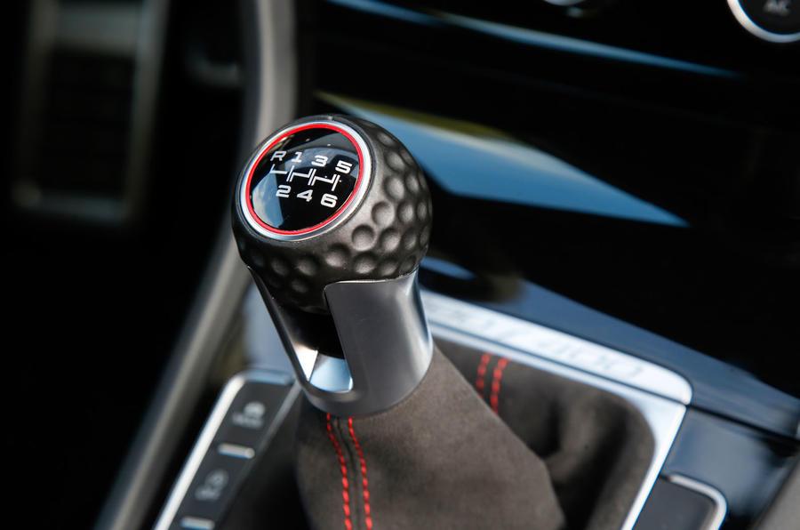 Volkswagen Golf GTI golf ball gearknob