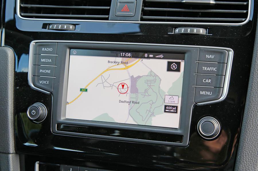 Volkswagen Golf GTI Clubsport S infotainment