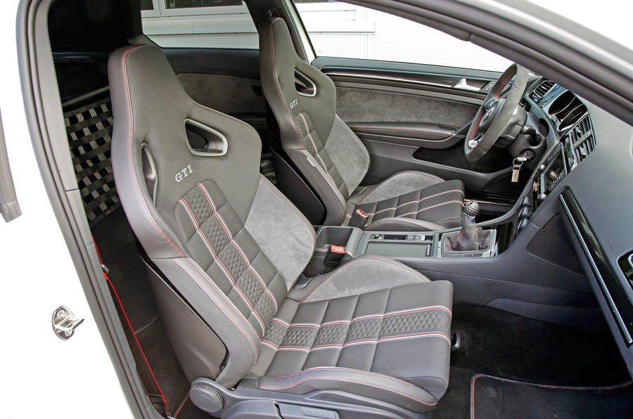 Volkswagen Golf GTI Clubsport S interior