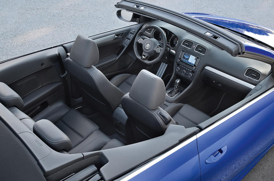 Volkswagen Golf R Cabriolet interior