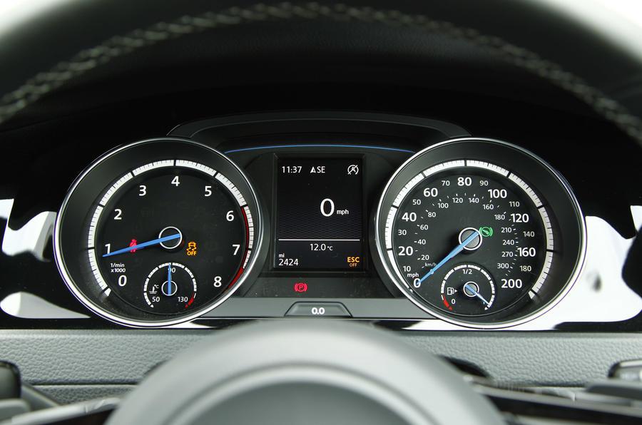 The instrument binnacle, even with 200mph speedo in the Volkswagen Golf R