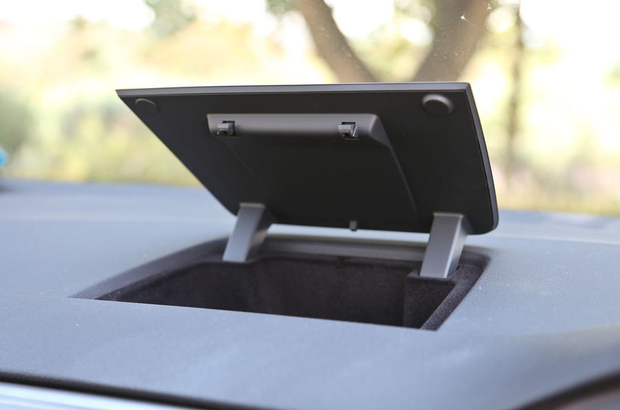 Volkswagen Golf SV cubby hole