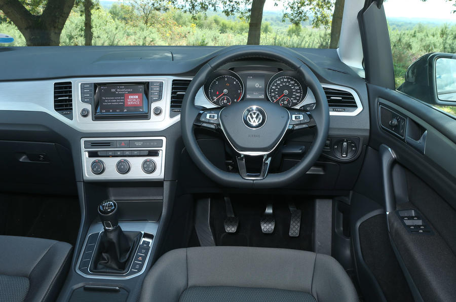 Volkswagen Golf SV dashboard