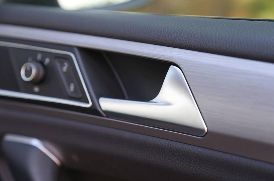 Volkswagen Golf SV door handles