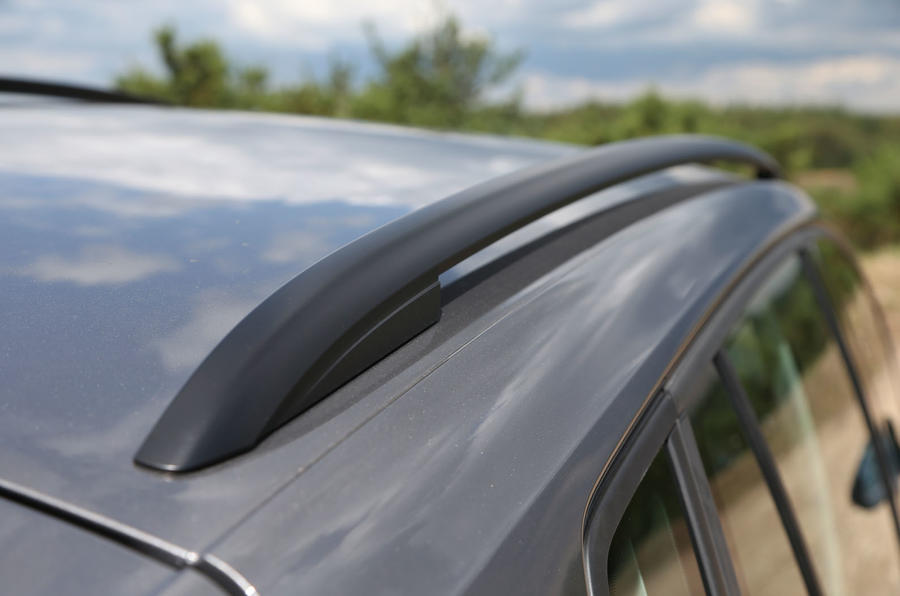 Volkswagen Golf SV roof rails