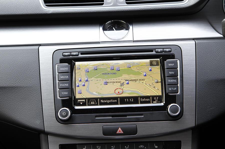 Volkswagen Passat estate infotainment