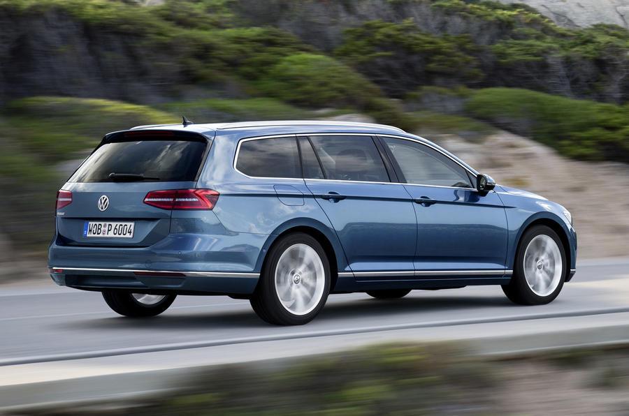 £22,215 Volkswagen Passat estate 2.0 TDI BlueMotion