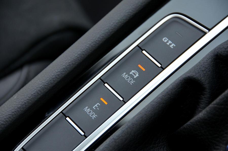 Volkswagen Passat GTE driving modes