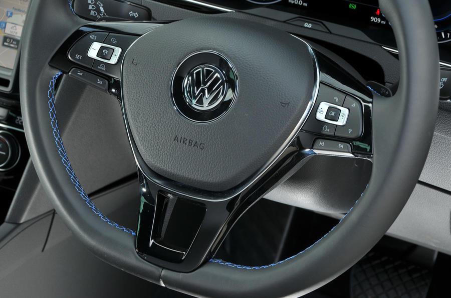 Volkswagen Passat GTE steering wheel