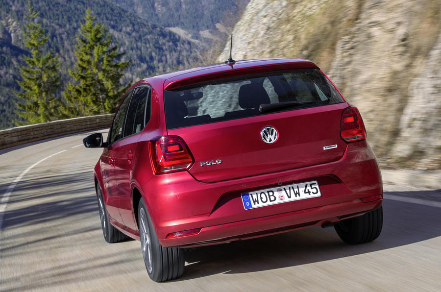 2014 Volkswagen Polo rear cornering