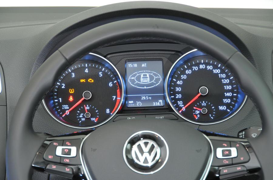 Volkswagen Polo instrument cluster