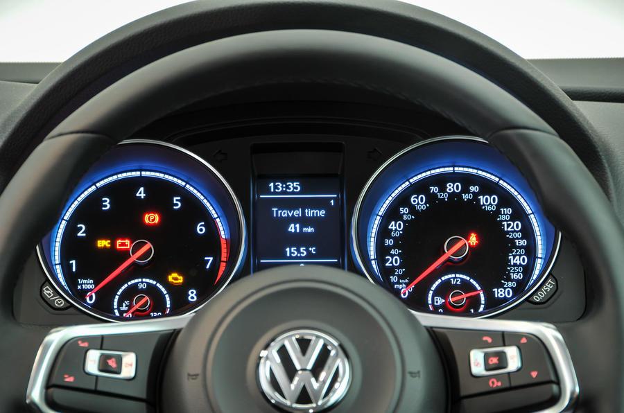 Volkswagen Scirocco instrument cluster