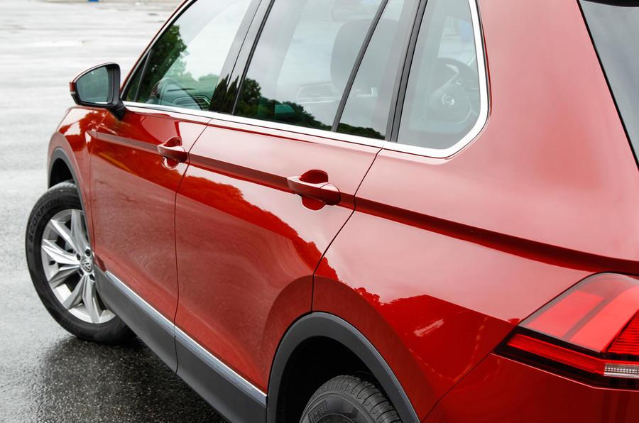 Volkswagen Tiguan side profile