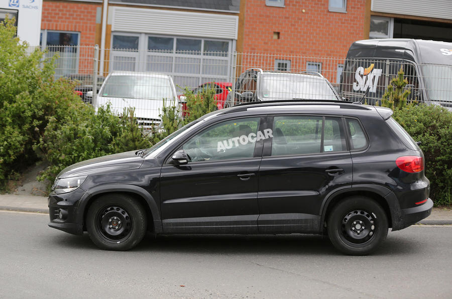 Volkswagen starts early testing on productionT-Roc SUV