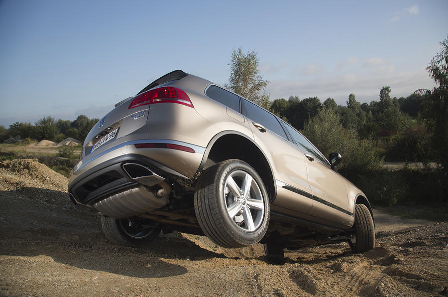 Volkswagen Touareg rear descending