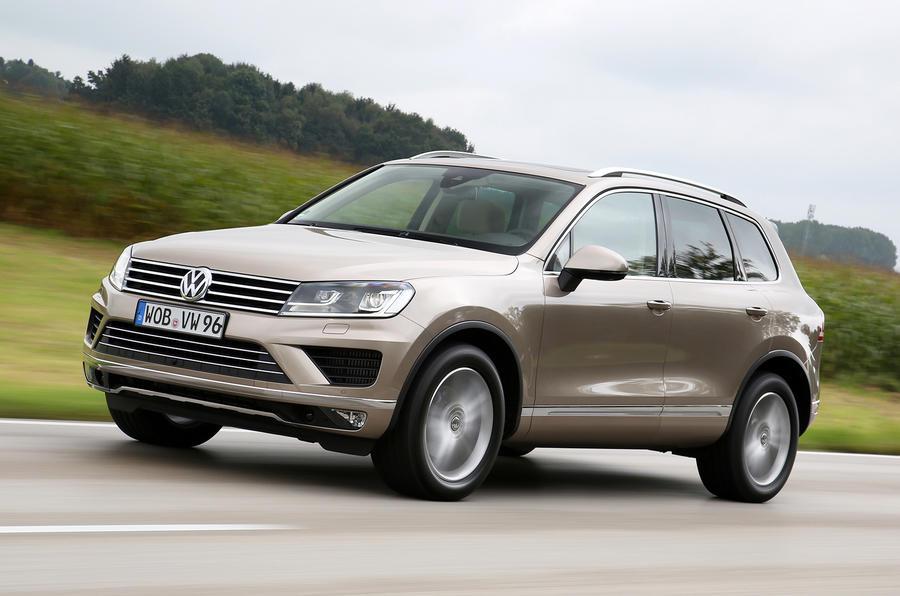 Volkswagen Touareg 3.0 TDI cornering
