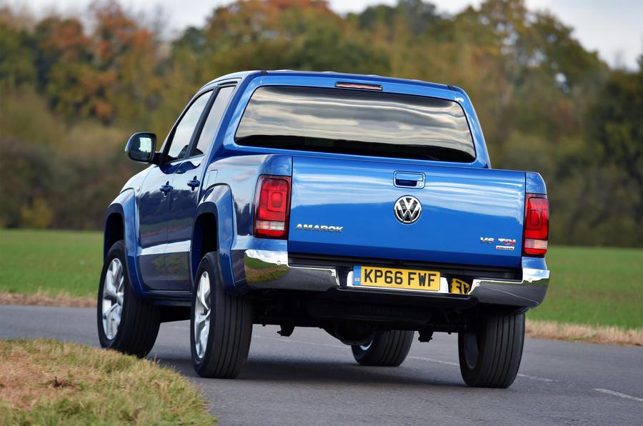 Volkswagen Amarok rear cornering
