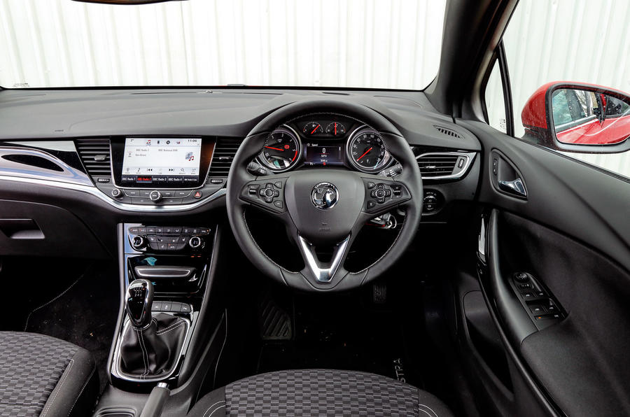 Vauxhall Astra Sports Tourer dashboard