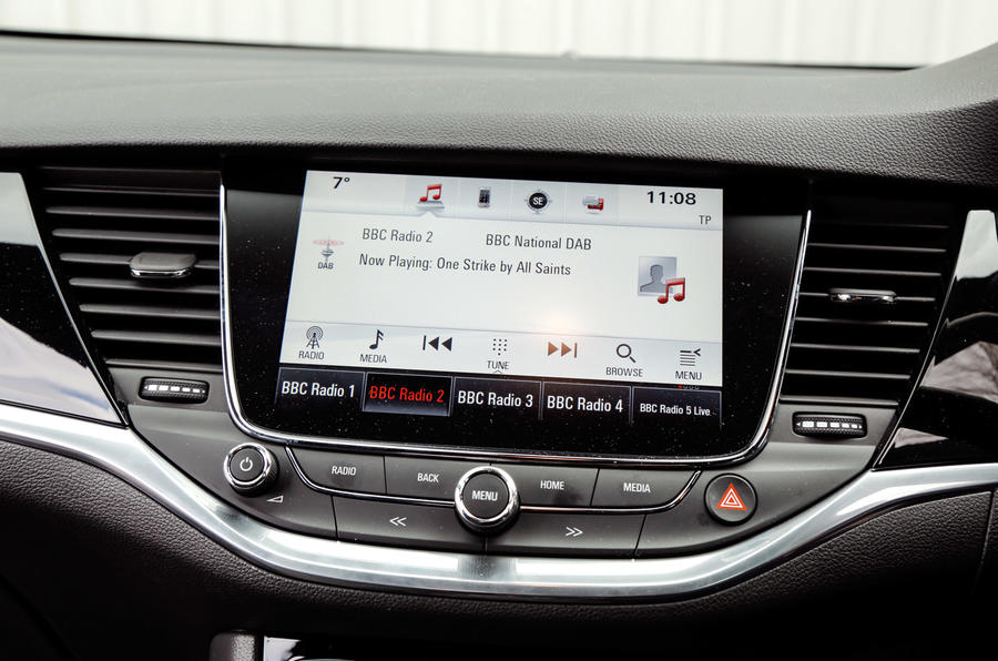 Vauxhall Astra Sports Tourer infotainment