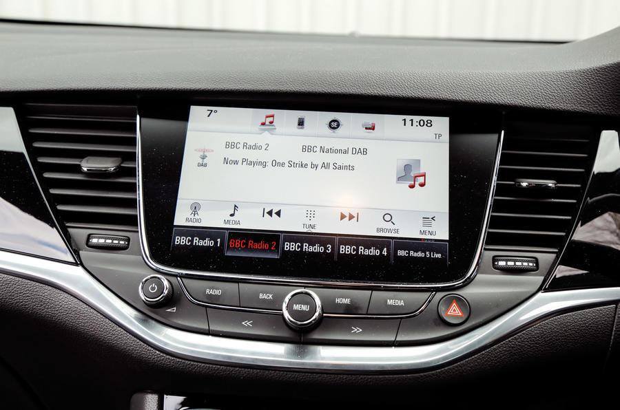 Vauxhall Astra Sports Tourer infotainment