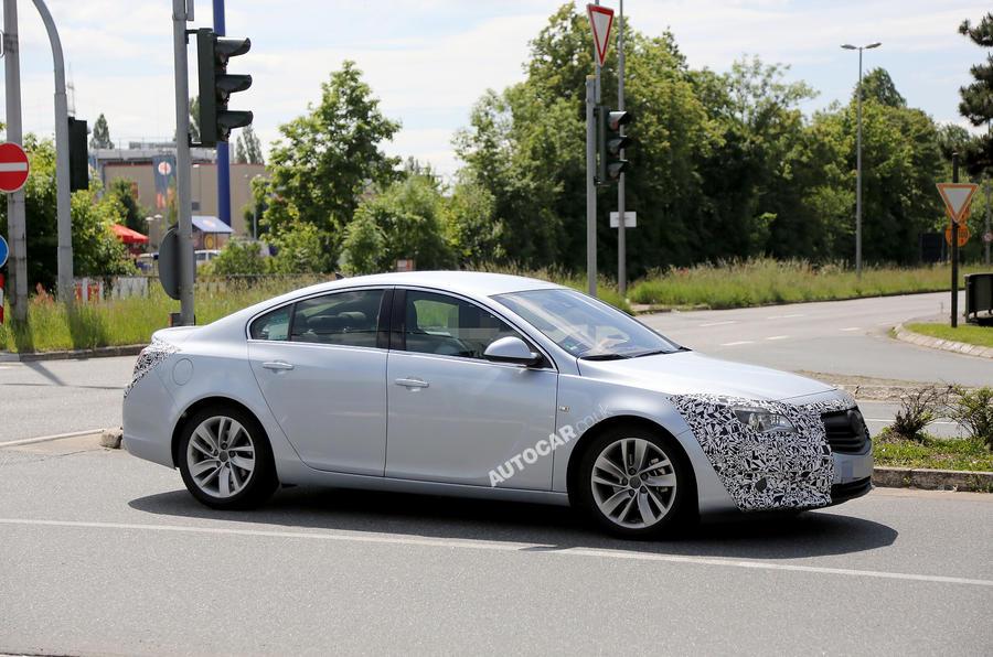 Vauxhall Insignia facelift: latest spy pics