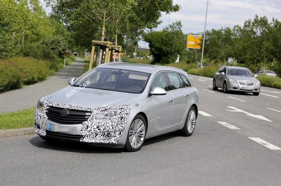 Vauxhall Insignia facelift: latest spy pics