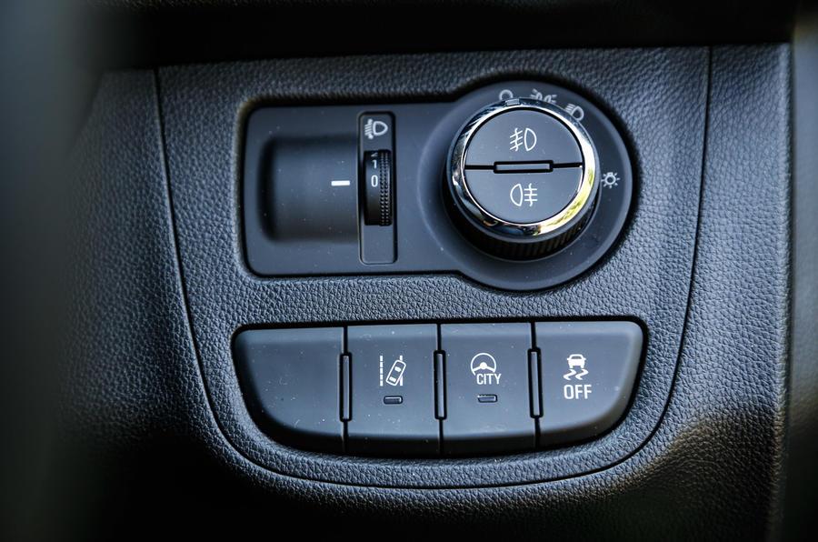Vauxhall Viva switchgear