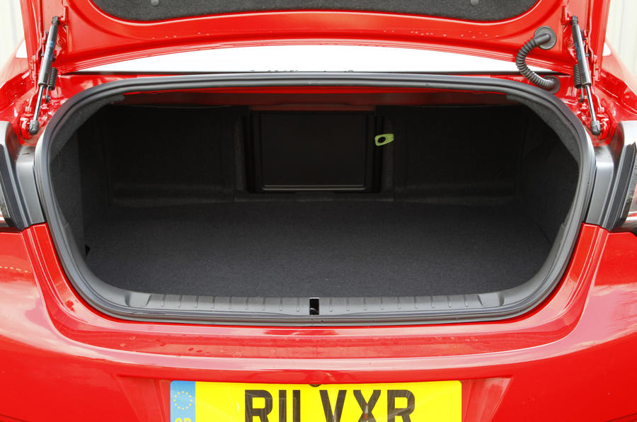 Vauxhall VXR8 GTS boot space