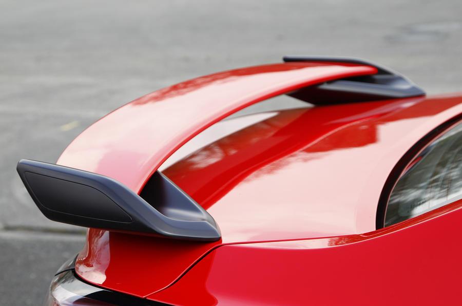 Vauxhall VXR8 GTS rear wing