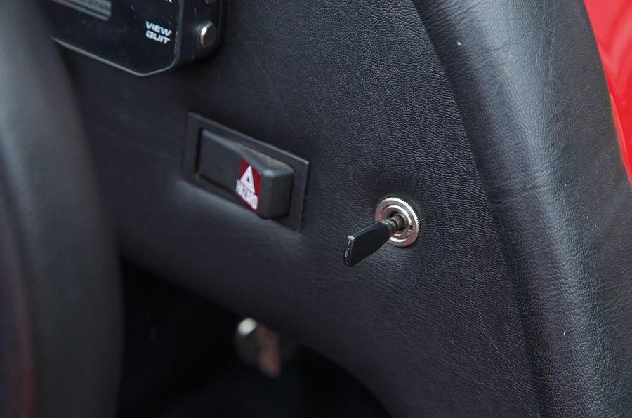 Westfield Sport 250 switchgear