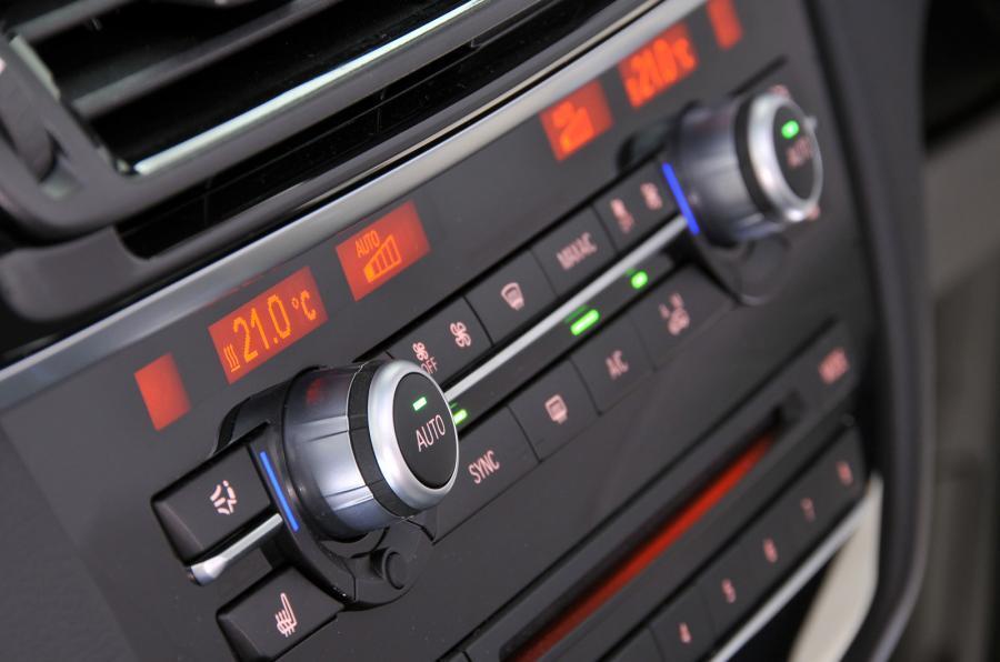 BMW X6 switchgear