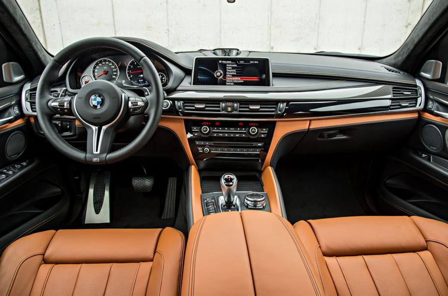 BMW X6 M's dashboard