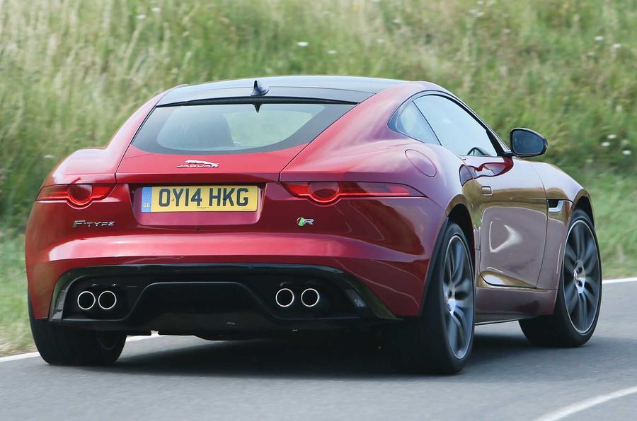 Comparison: Jaguar XK Dynamic R versus Jaguar F-type R coupe