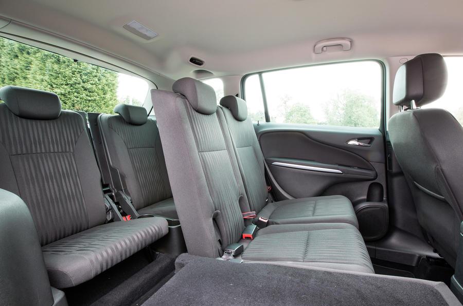 Vauxhall Zafira Tourer 16 CDTi Diesel SE First Drive