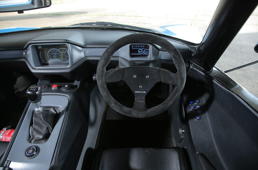 Zenos E10 S dashboard