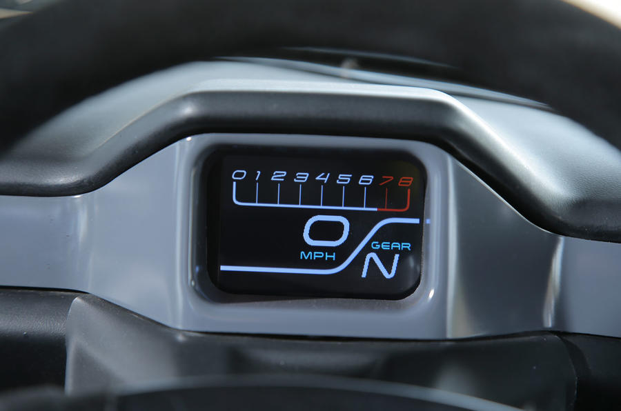 Zenos E10 S rev counter