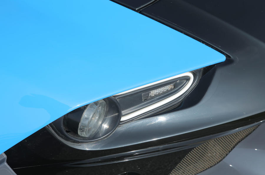 Zenos E10 S xenon headlight