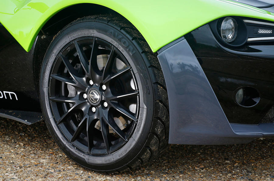 Zenos E10 S alloy wheels