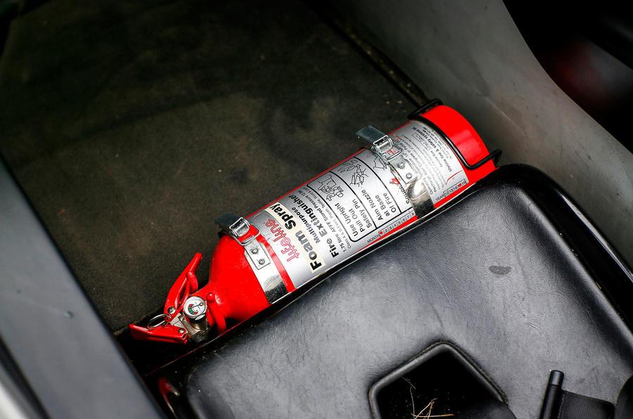 Zenos E10 S fire extinguisher
