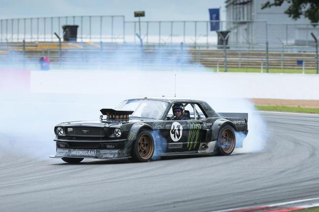 Video: How to drift, by Ken Block