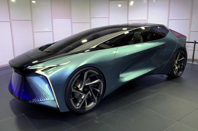 Lexus LF-30 concept at Tokyo motor show - front