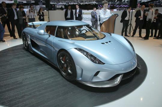 New Koenigsegg Regera revealed