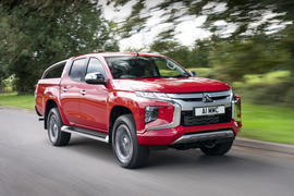 Mitsubishi L200 2019 road test review - hero front