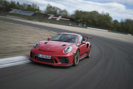 Porsche 911 GT3 RS 2018 review hero front